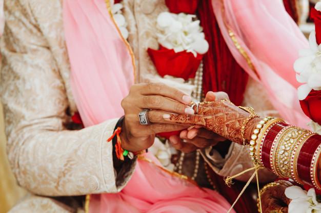 arrange- marriage-vs-love-marriage